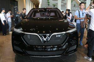 Cận cảnh mẫu SUV VinFast V8 tại Việt Nam