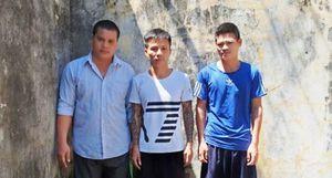 Bắt nhóm đối tượng dùng súng, mã tấu 'bảo kê' máy gặt ở Nghệ An