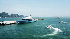 Chiêm ngưỡng siêu du thuyền 150 triệu đô lộng lẫy giữa vịnh Hạ Long