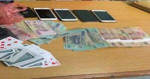 Thanh Hóa: Bắt 9 con bạc, thu giữ gần 200 triệu tiền mặt