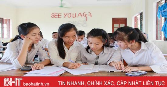 Kỳ thi lớp 10 THPT ở Hà Tĩnh: Cạnh tranh gay gắt vào trường công lập!