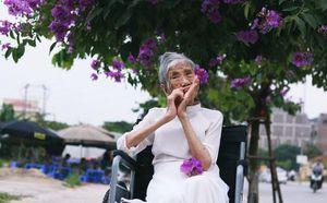Bộ ảnh 'trở về thanh xuân' của đôi bạn gần 100 tuổi, biểu cảm của họ đặc biệt gây chú ý