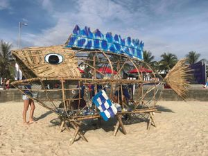 'Cá Bống xin rác' giúp bảo vệ môi trường ở bãi biển Đà Nẵng