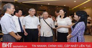 Hà Tĩnh Hội thảo 'Nhà thơ, nhà văn hóa Huy Cận - những điều còn mãi'