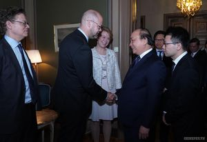 Thủ tướng gặp gỡ các tập đoàn hàng đầu Thụy Điển