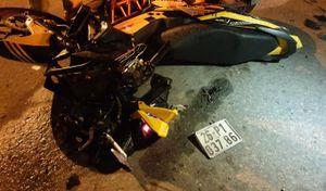 Bình Dương: Nam thanh niên tử vong sau va chạm với xe tải