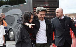 Con trai David Beckham tình tứ với bạn gái sau khi gây gổ ở Cannes