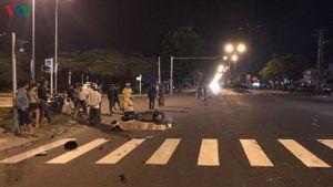 Xe khách va chạm xe máy 1 thanh niên tử vong