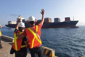 Philippines điều tàu chở hàng mang 69 container rác trả về cho Canada
