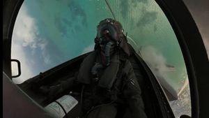 Phi công F-35 chê 'rắn hổ mang' Nga chỉ để diễn