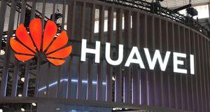 Huawei giảm đơn đặt hàng sản xuất điện thoại tại Foxconn