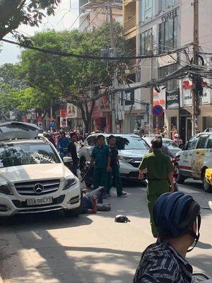 TP Hồ Chí Minh: Kinh hoàng cảnh đánh, chém người giữa phố
