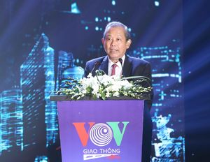 Phó Thủ tướng Trương Hòa Bình dự lễ kỷ niệm 10 năm thành lập kênh VOV giao thông
