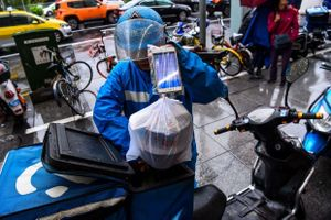 Ứng dụng giao đồ ăn kiếm hàng tỷ USD tại Trung Quốc