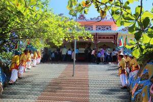 Khánh Hòa: Đông đảo người dân, du khách tham gia Lễ hội Yến sào