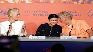 Nam tài tử 69 tuổi Bill Murray bày tỏ tình cảm với Selena Gomez công khai trên báo chí