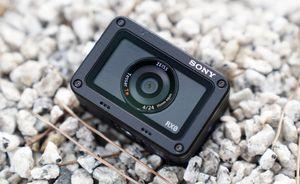 Lựa camera hành động giá tốt cho người đi phượt dịp hè