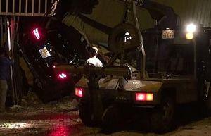 Ô tô mất lái đâm liên tiếp 3 căn nhà, một người tử vong