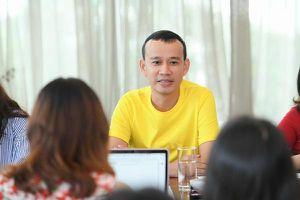 Ông bầu Phúc Nguyễn tung hợp đồng, khẳng định Mâu Thủy 'hoang tưởng' về 5 tỷ