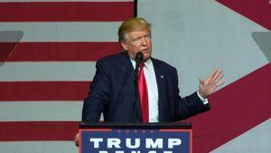 Tin ảnh: Ông Trump lại vướng scandal tình dục