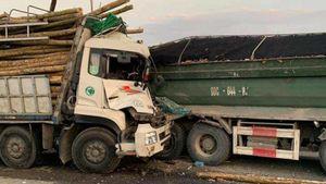Xác định danh tính hai nạn nhân trong vụ va chạm xe ở cầu Thanh Trì