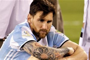 Tròn 3 năm Messi lần đầu tuyên bố giã từ tuyển Argentina