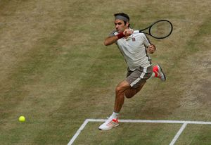 Novak 'không phải Djokovic' kể về lần đầu tiên của Federer ở Wimbledon, hồi 20 năm trước