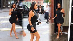 Kim Kardashian gây 'nghẹt thở' với bộ đồ bó sát và 'quên' nội y dạo phố