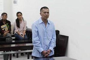 14 năm tù cho kẻ vô cớ dùng đao chém em họ lìa cánh tay