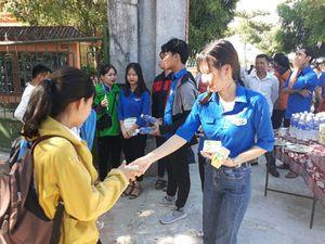 Thí sinh Quảng Trị được phát sữa miễn phí trước mỗi buổi thi THPT Quốc gia 2019