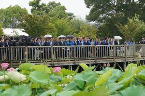 Dự lễ hội hoa sen Nhật – Việt, Thủ tướng Nguyễn Xuân Phúc dẫn ca dao
