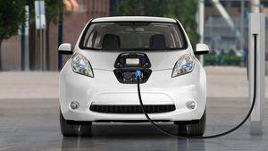 Xe ô tô điện phải bắt lắp thiết bị phát ra tiếng ồn