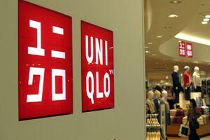 Các cửa hàng của Uniqlo sắp chuyển từ sử dụng túi nhựa sang túi giấy