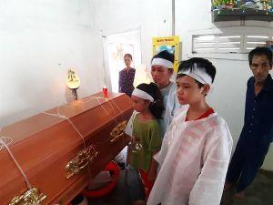 Vụ tàu cá Ninh Thuận lật, 4 người chết, 1 mất tích: Tang thương nơi làng biển