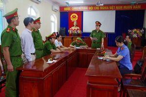 Khởi tố, bắt tạm giam 2 chủ tịch xã 'ăn chặn' tiền của dân