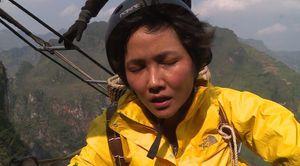 H'Hen Niê leo núi 'ngon lành', Bình Anh vượt qua bệnh sợ độ cao