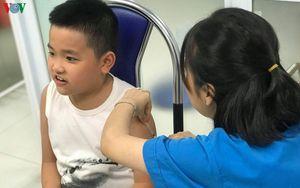 'Để con được chích' - Lời tuyên chiến mạnh mẽ với hội anti-vaccine