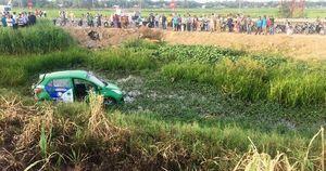 Thảm cảnh người cha chứng kiến cả gia đình thương vong trong vụ tàu hỏa tông taxi