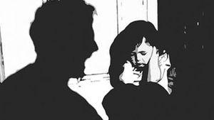 Bé gái 15 tuổi bị bạn nhậu của bố xâm hại