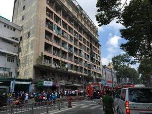 Giải cứu 28 người trong đám cháy ở ký túc xá