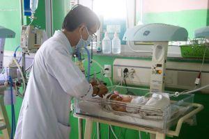 Người nhiễm HIV: Nên cân nhắc khi muốn sinh con