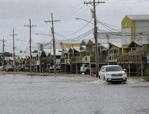 Hàng triệu người Mỹ sắp đón siêu bão 'mạnh nhất từ thời Katrina'