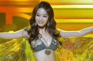 Hoa hậu Hàn Quốc bẽ bàng vì bị chỉ trích kịch liệt khi đăng quang