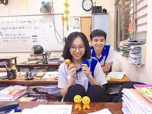 Một lớp học tại TP HCM có 16/49 học sinh đạt trên 27 điểm