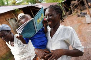 Nỗ lực gây tranh cãi - Cho phép nữ sinh mang thai đến trường ở Sierra Leone