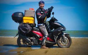 Chàng trai đơn thân độc mã đi 'săn rác' suốt 3.000 km bờ biển Việt Nam