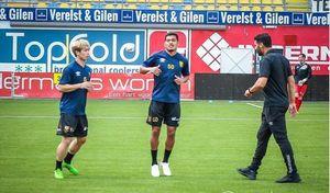 HLV Sint-Truiden khiến fan Công Phượng lo lắng sau trận thua đội bóng Hy Lạp