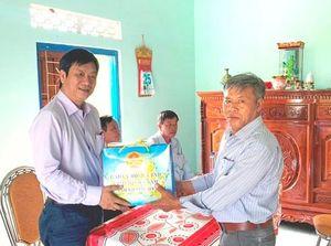 Thăm 4 gia đình chính sách tiêu biểu huyện Vạn Ninh