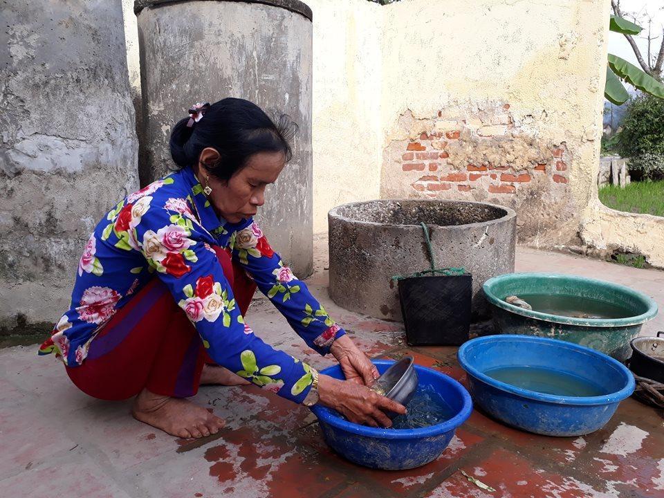 Xót xa hoàn cảnh mẹ ca sĩ Châu Việt Cường, nhọc nhằn mưu sinh kiếm sống