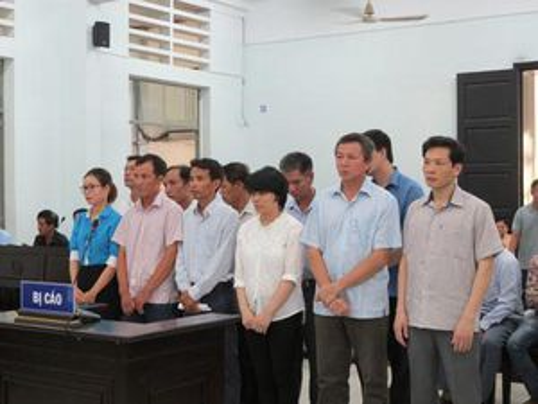 Hoãn phiên tòa xét xử vụ tham ô ở Công ty Nam Khánh Hòa